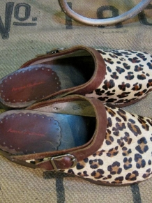 Vintage Leopard Clogs Hanna Andersson