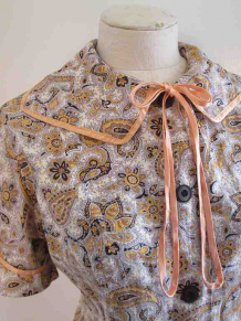 60s Gold Paisley dress XL