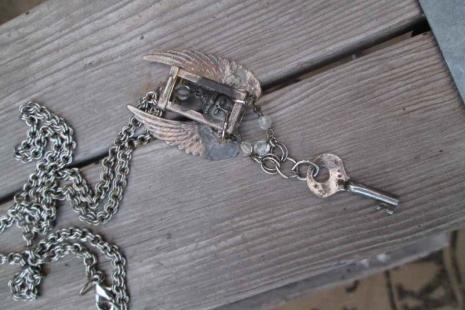 Buddha Vintage key necklace