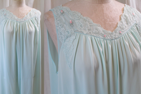 Shadowline Peignoir set Lace and Roses vintage Negligee